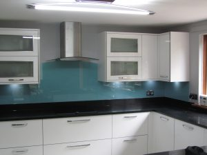 lovely colour stting of this kitchen