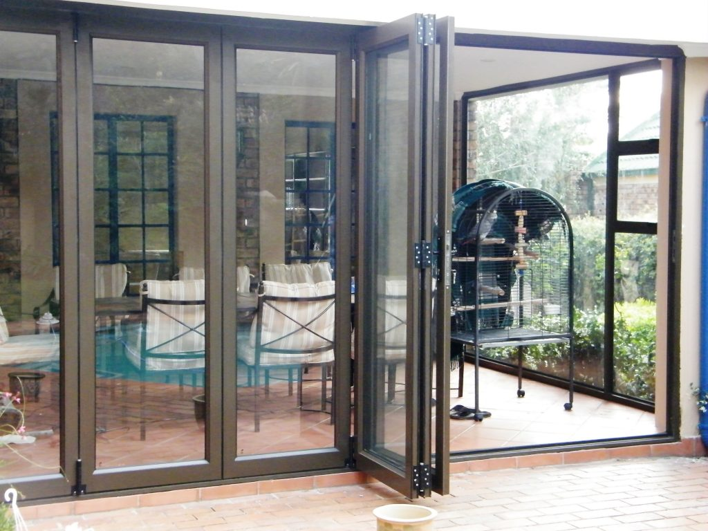 Aluminium windows and doors all glass and glazing for Aluminum sliding glass doors price